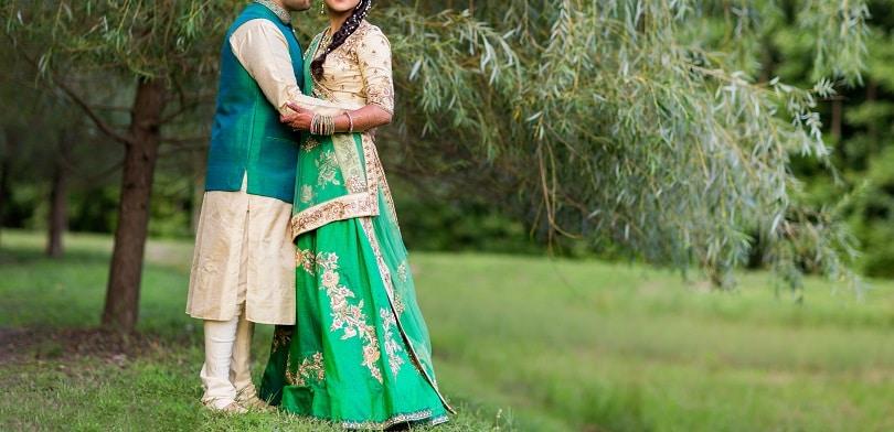 15 Fantastic Bride And Groom Wedding Dress Combination Oyo Hotels Travel Blog